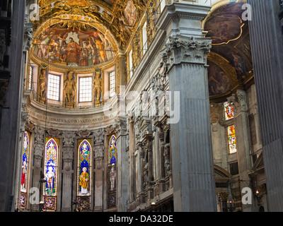 The interior of Genoa's San Lorenzo Cathedral,  Italy 2 - Stock Photo
