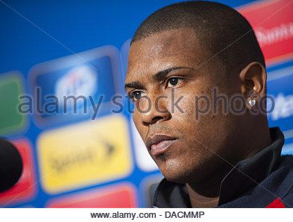 Seattle, Washington, USA. 10th July, 2013. Panama National Team goalkeeper Harold Cummings answers reporters questions - Stock Photo