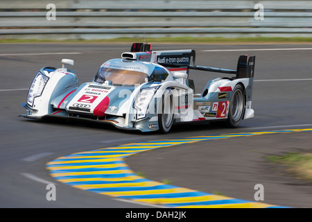 LE MANS, FRANCE - JUNE 23 Audi #2 races in a qualification run for the 24 hours of Le Mans 2013 - Stock Photo