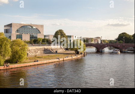 River Spree with Moltke Bridge and Bundeskanzleramt, Berlin, Germany - Stock Photo