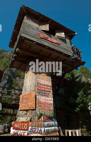 Asien, Türkei, Provinz Antalya, Olympos, Kadirs tree House - Stock Photo