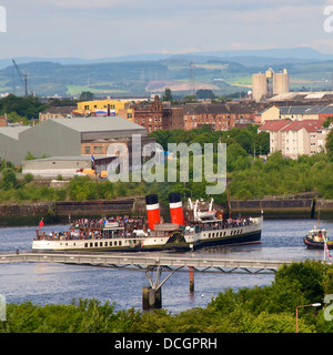 Waverley sailing down the Clyde in centre of Glasgow, Scotland on its regular cruises during the summer months - Stock Photo