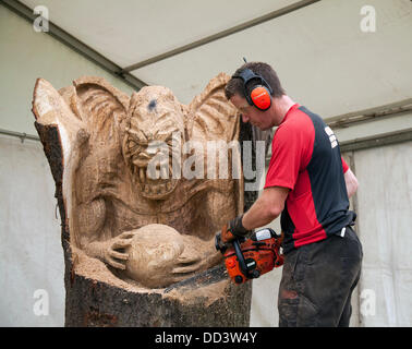 Tabley, Cheshire, UK 25th August, 2013. Andy Burgess & Yoda at the 9th English Open Chainsaw Carving Competition, - Stock Photo