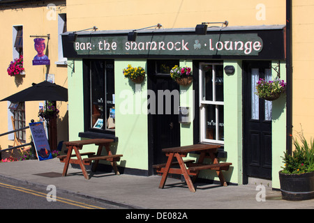 Typical Irish bar in Roundstone in County Galway, Ireland - Stock Photo