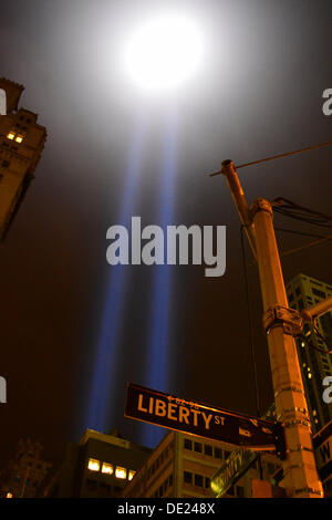 NY, NY, USA. 09th Sep, 2013. Tribute in Light and 'Liberty' street sign near Ground Zero in Lower Manhattan. Credit: - Stock Photo
