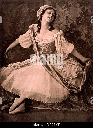 Tamara Karsavina, Russian ballerina, in Nikolai Tcherepnin's ballet 'Le Pavillon d'Armide', 1913. Artist: Unknown - Stock Photo