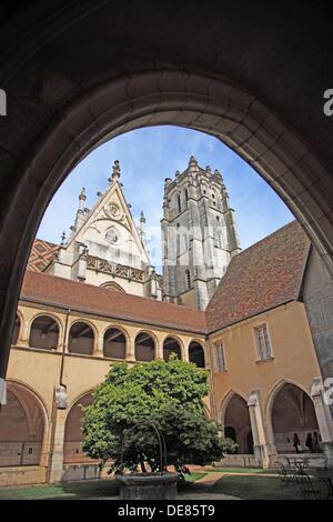 France, Borgundy, Ain, Bourg-en-Bresse, Royal Monastery of Brou Cloister - Stock Photo