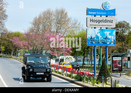 Istanbul, Sariyer, Rumelihisar, Uferstrasse am Bosporus - Stock Photo