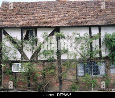 Old cottage in the village of Chiddingstone. Kent, England, UK - Stock Photo