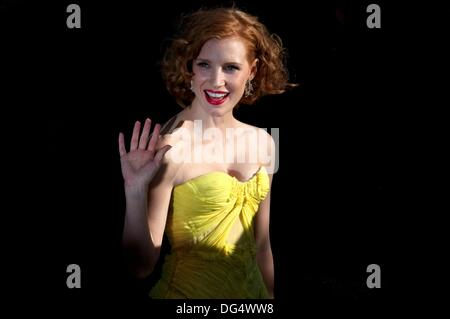 Europe, France, 06, Cannes Film Festival  The American actress, Jessica Chastain, before climbing the stairs, to - Stock Photo