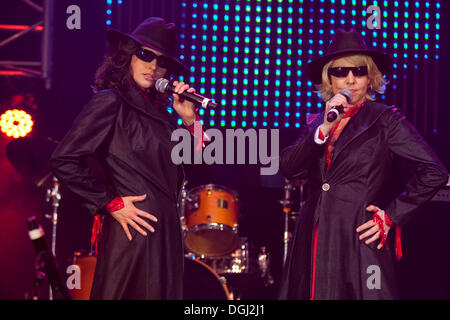 German schlager duo Geschwister Hofmann performing live at the 10th Schlager-Night in the new Allmend Festival Hall, - Stock Photo