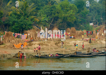 Village on the bank of the Hooghly River, part of the Ganges River, West Bengal, India, Asia - Stock Photo
