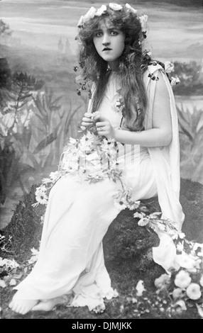 Mignon Nevada as Ophelia - Stock Photo