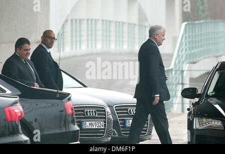 Berlin, Germany. 12th Dec, 2013. Premier of Bavaria Horst Seehofer (R) and SPD Chairman Sigmar Gabriel (L) leave - Stock Photo