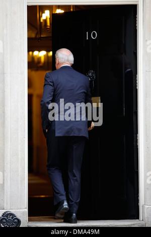 US Vice President Joe Biden arrivers to 10 Downing street - Stock Photo