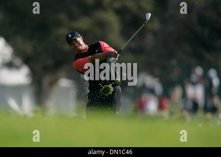 Jan 29, 2006; La Jolla, CA, USA; GOLF: TIGER WOODS on the 2nd fairway during the Buick Invitational 2006. Mandatory - Stock Photo