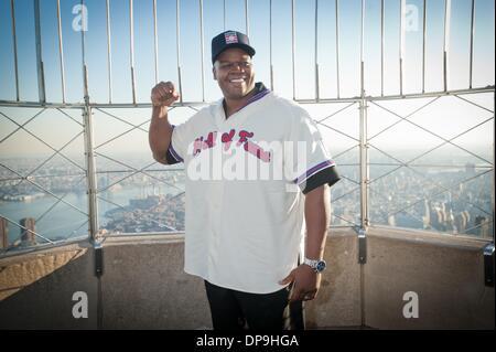 Manhattan, New York, USA. 9th Jan, 2014. 2014 Baseball Hall of Fame Electee FRANK THOMAS visits and tours the Empire - Stock Photo