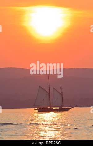 The Schooner Mystic Whaler on a sunset cruise on the Hudson River off Croton Point Park during the 2011 - Stock Photo