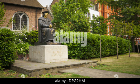 Sir Thomas Moore statue at Cheyne Walk, Chelsea Embankment, London, UK. - Stock Photo