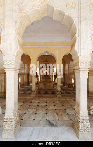 The royal crematoria of Gatore Ki Chhatriyan near Jaipur, Rajasthan, India - Stock Photo