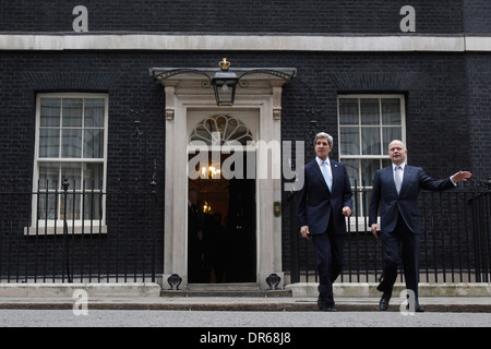 US Secretary of State John Kerry (L) and his British counterpart William Hague (R) outside number 10 Downing Street - Stock Photo