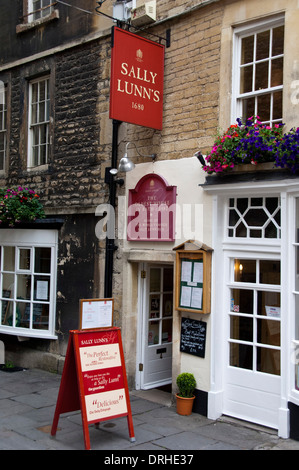 The entrance to Sally Lunns buns tearooms in Bath city, Somerset - Stock Photo