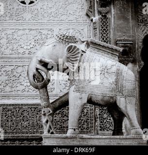 Elephant statue outside Nathmalji Ki Haveli in Jaisalmer in Rajasthan in India in South Asia. History Architecture - Stock Photo