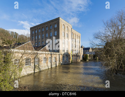 A view of Abbey Mill in Bradford on Avon during the floods of 2013/14 showing the height of the river. - Stock Photo