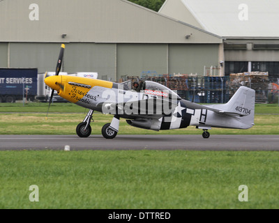 P-51D Mustang fighter aircraft 'Ferocious Frankie' at Dunsfold 'Wings and Wheels' air show - Stock Photo