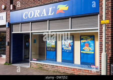 High Street Bookmaker, Coral, part of the Gala Coral Group Ltd. Twyford, Berkshire, England, GB, UK. - Stock Photo