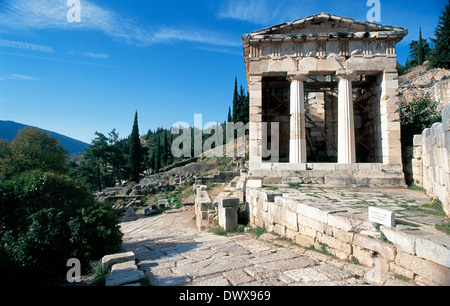 Greek Art. Greece. Delphi. The Athenian Treasury. Built in Parian marble. Its construction ranging from 510 to 480 - Stock Photo