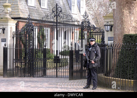 London, UK . 14th Mar, 2014. John Kerry and Sergei Lavrov meet at the American Ambassadors House Winfield House - Stock Photo