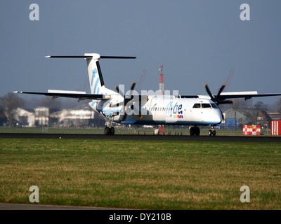 G-ECOM Flybe De Havilland Canada DHC-8-402Q Dash 8, landing on Schiphol, pic-1 - Stock Photo