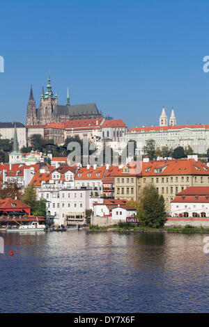 Vlatava River and Malá Strana, Lesser Town, with the Hradcany, Castle District, Prague, Bohemia, Czech Republic - Stock Photo