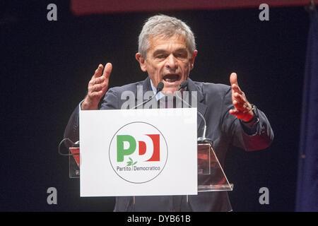 Turin, Italy. 12th Apr, 2014. Former Mayor of Turin Sergio Chiamparino of the Partito Democratico, opened his electoral - Stock Photo
