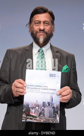 Berlin, Germany. 13th Apr, 2014. The Indian economist Rajendra Pachauri of the Working Group 3 of the Intergovernmental - Stock Photo