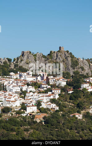 The White Town of Gaucín below a Moorish fort, Málaga province, Andalusia, Spain - Stock Photo