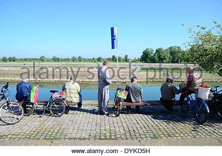 Osijek, Croatia. 21th Apr, 2014.  Croatia weather: After a few days of bad weather, dawned beautiful and sunny day - Stock Photo