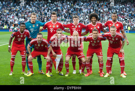 Madrid, Spain. 23rd Apr, 2014. Bayern Munich's players pose for group photos prior to the UEFA Champion League semi - Stock Photo