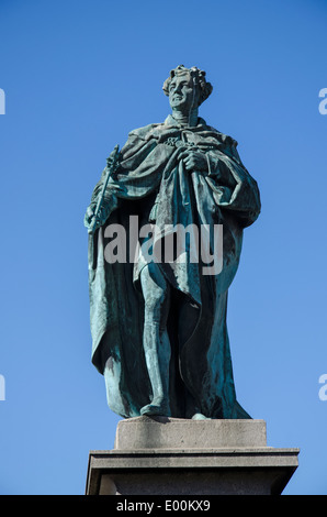 Statue of King George IV in George Street, Edinburgh was erected to commemorate the visit of George IV to Scotland - Stock Photo