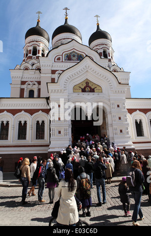 The Russian Orthodox congregation at the Alexander Nevsky Cathedral in Tallinn, Estonia. - Stock Photo