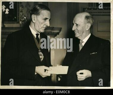 Feb. 02, 1953 - New Zealand high commissioner hands over New Zealand £50,000 cheque for flood relift fund.: - Stock Photo