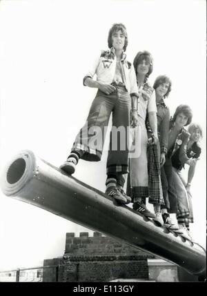 Oct. 08, 1975 - The Bay city rollers arrive in Bermuda.: The Bay City Rollers, the Scottish pop group, have arrived - Stock Photo