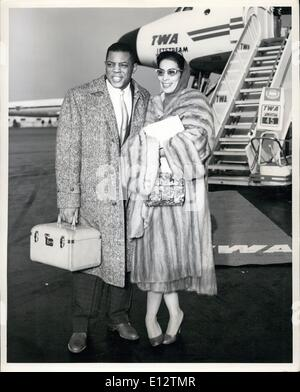 Feb. 24, 2012 - Idlewild Airport, N.Y., Jan. 3 - The ''Say Hey'' Kid, Willie Kays, Star Outfielder Of The Giants, - Stock Photo