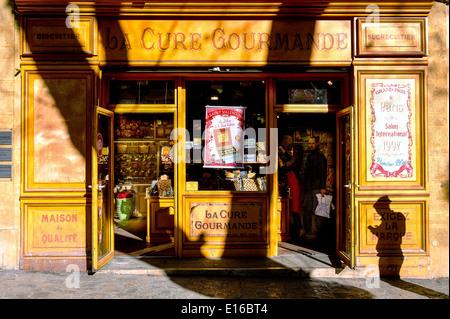 Europe, France, Bouches-du-Rhone, Aix-en-Provence. A traditional shop. - Stock Photo