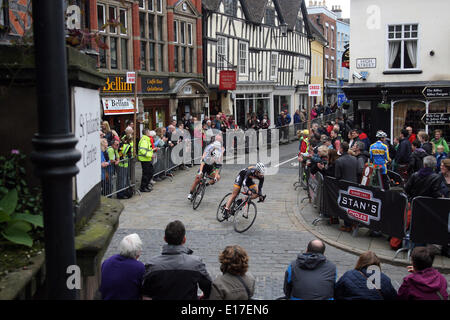 Shrewsbury town centre. Twenty years ago, Shrewsbury hosted a cycle race that took place around its picturesque - Stock Photo