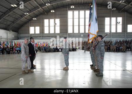From left, U.S. Marine Corps Gen. James N. Mattis, Secretary of Defense Chuck Hagel and Army Gen. Lloyd J. Austin - Stock Photo