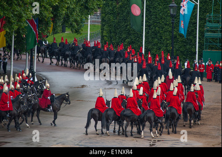 The final rehearsal of the Queen's Birthday Parade, the Colonel's Review, Household Cavalry leave the parade ground - Stock Photo