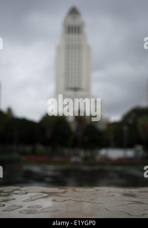 Los Angeles, California, USA. 1st Mar, 2014. Cloudy skies close in on the Los Angeles City Hall on Saturday March - Stock Photo