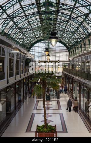 Wayfarers Shopping Arcade in Southport Merseyside - Stock Photo